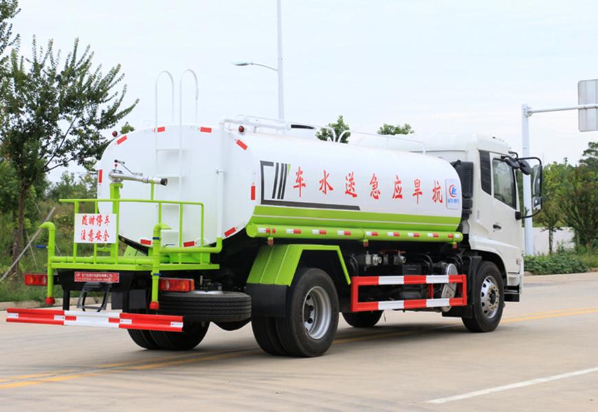 东风天锦12方洒水车右侧展示图