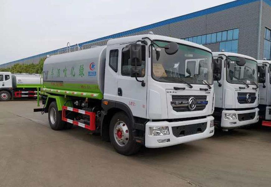 Dongfeng D9 (15  cbm ) water truck
