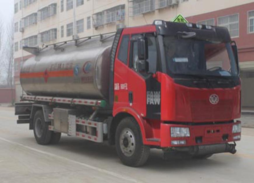 CLW5180GYYLC5型铝合金运油车