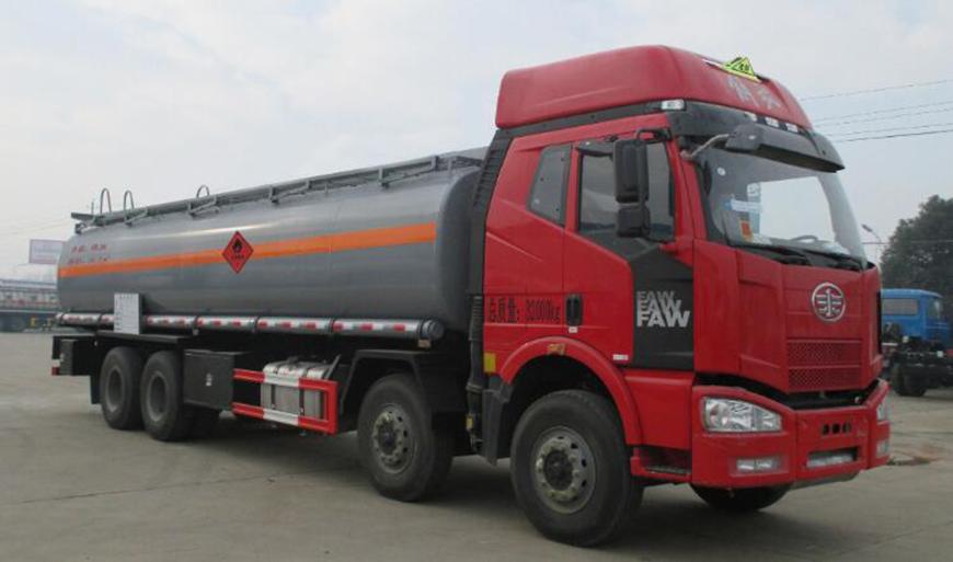 DLQ5320GYYCL5型铝合金运油车
