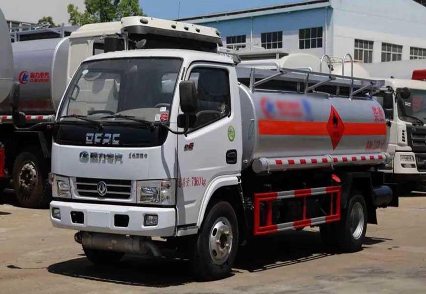 CLW5071GJYD5型加油车