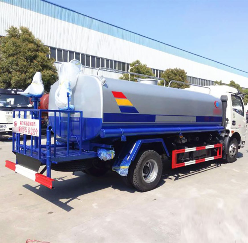 Dongfeng D7 Dolica water truck